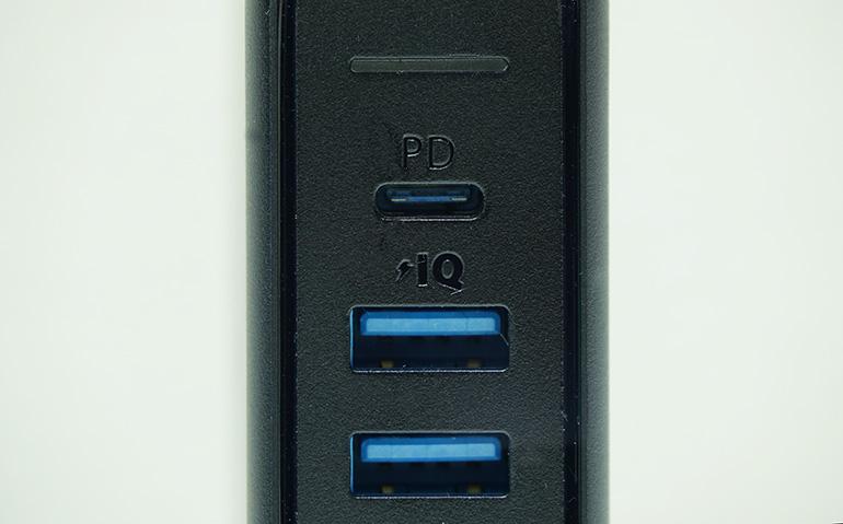 USB PD端子付きの充電器
