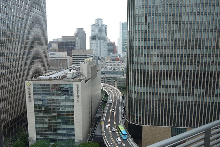 アパホテル肥後橋の客室(窓からの展望)