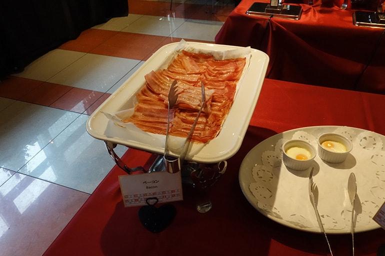 アパホテル肥後橋のレストラン「ラ・ベランダ」の料理(洋食)