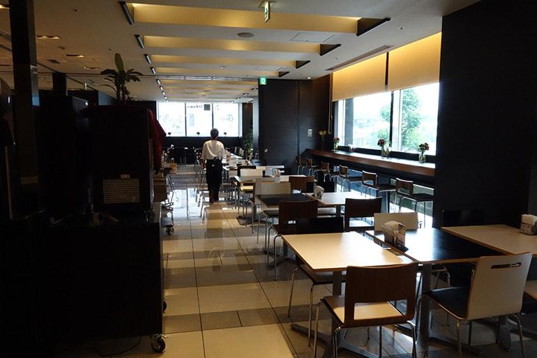 アパホテル肥後橋のレストラン「ラ・ベランダ」の店内