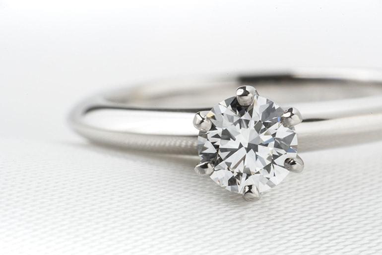 キラキラ輝くダイヤモンド