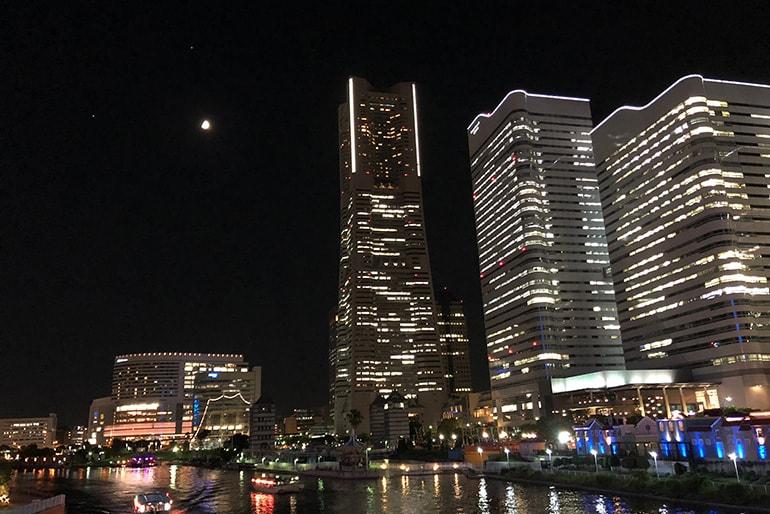 横浜、みなとみらいの夜景
