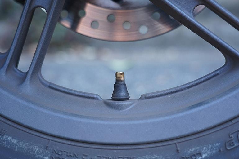 バイクのタイヤのバルブ(米式)