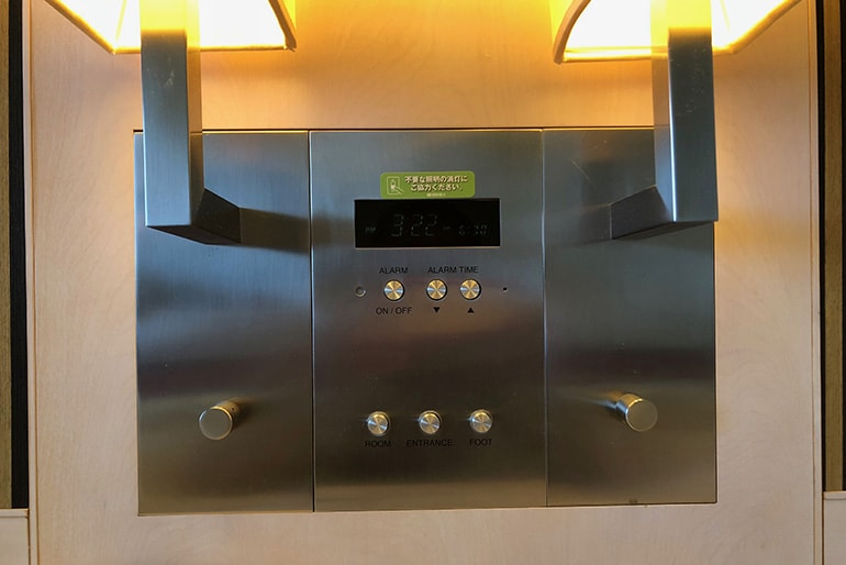 ホテルモントレラ・スール大阪の客室(照明コントロール)