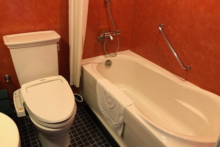 ホテルモントレラ・スール大阪の客室(バス・トイレ)