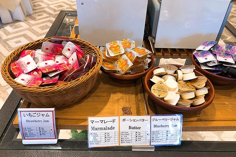 ホテルモントレラ・スール大阪の朝食(バター・ジャム)