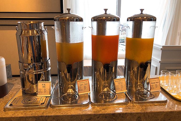 ホテルモントレラ・スール大阪の朝食(ドリンク類)