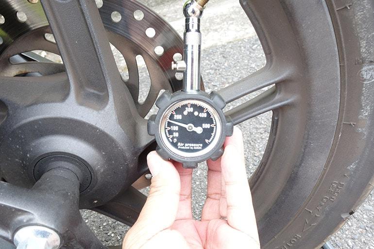 PCX150の前輪タイヤを150kPaに