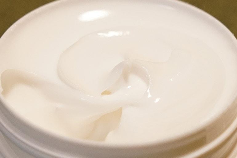 メンソレータムADクリームの質感
