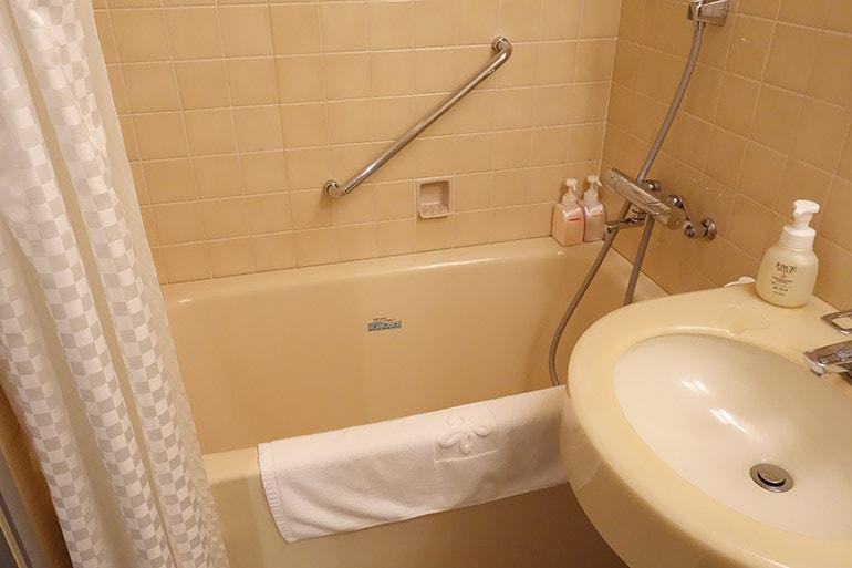 新阪急ホテルの客室のバスルーム