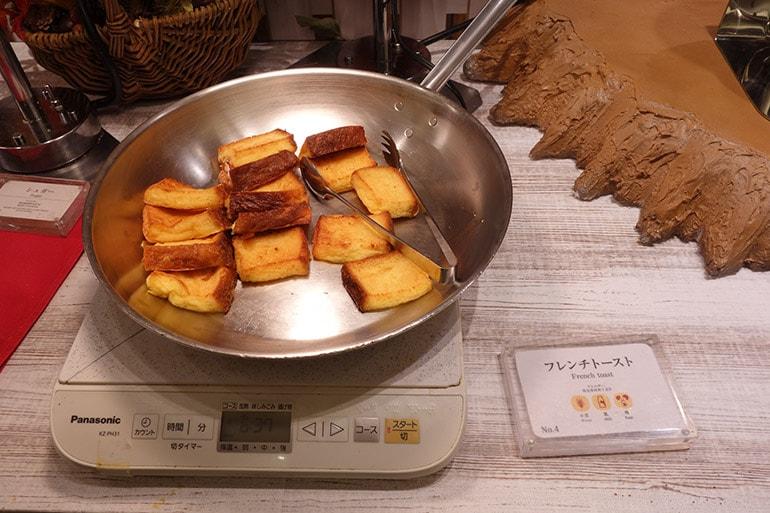 オリンピアの朝食バイキング「フレンチトースト」