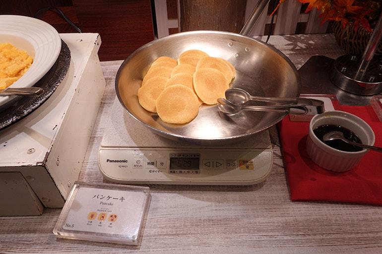 オリンピアの朝食バイキング「パンケーキ」