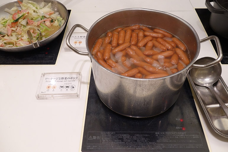 オリンピアの朝食バイキング「ソーセージと野菜のポトフ」