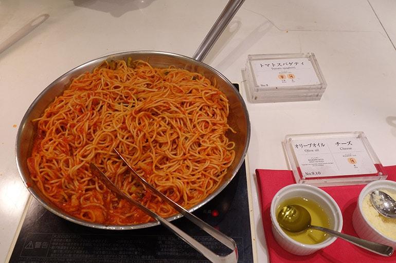 オリンピアの朝食バイキング「トマトスパゲッティ」