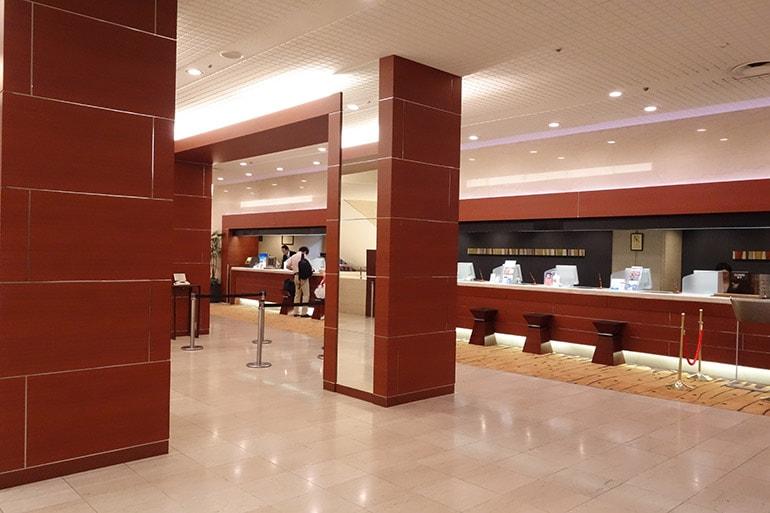 新阪急ホテルのフロント