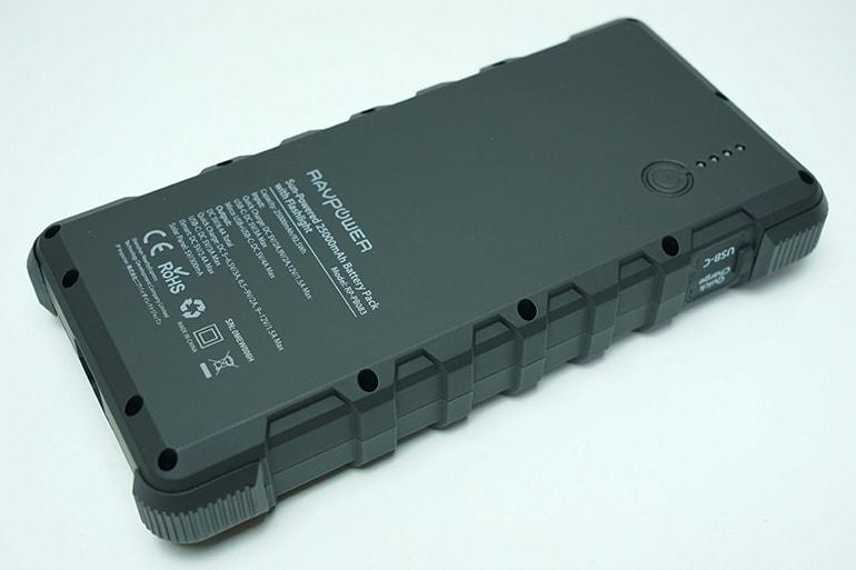 RAVPOWER ソーラーモバイルバッテリー 25000mAh本体裏面