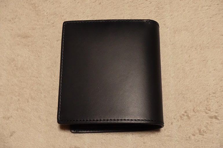 無印良品の二つ折り財布(左向き)
