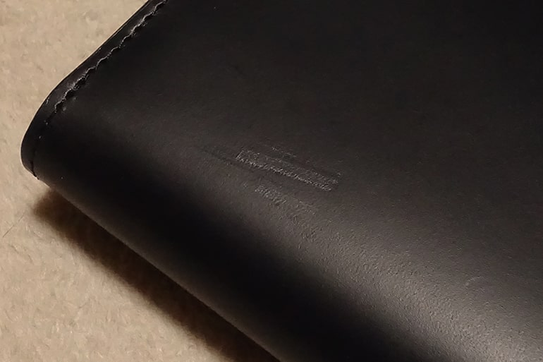 無印良品の二つ折り財布の傷