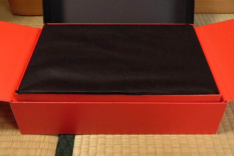 x1carbon2018のパッケージを開封
